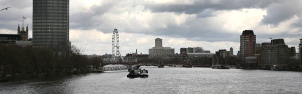Thames8951